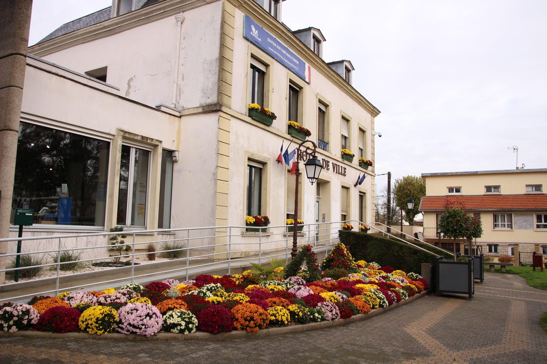 Mairie de Montfermeil fleurie