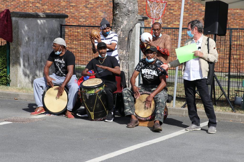 Joueurs de percussions à Montfermeil