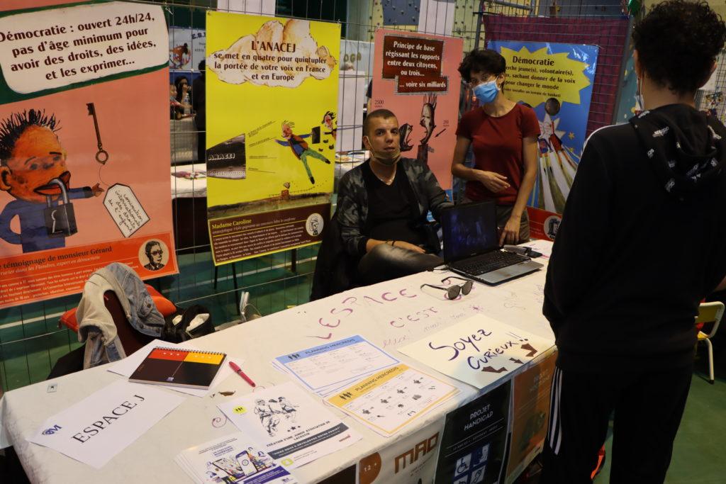 Espace J au forum des associations de Montfermeil
